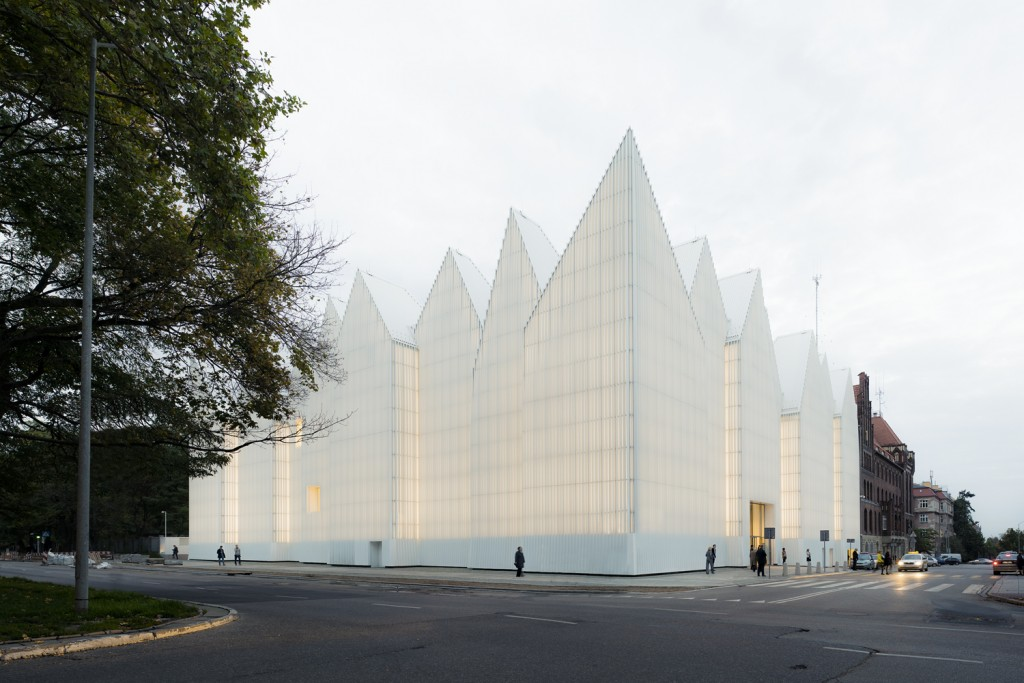 Szczecin Philharmonic Poland by Barozzi Veiga Studio ©Simon Menges 1024x683 - Lamp lighting 2015