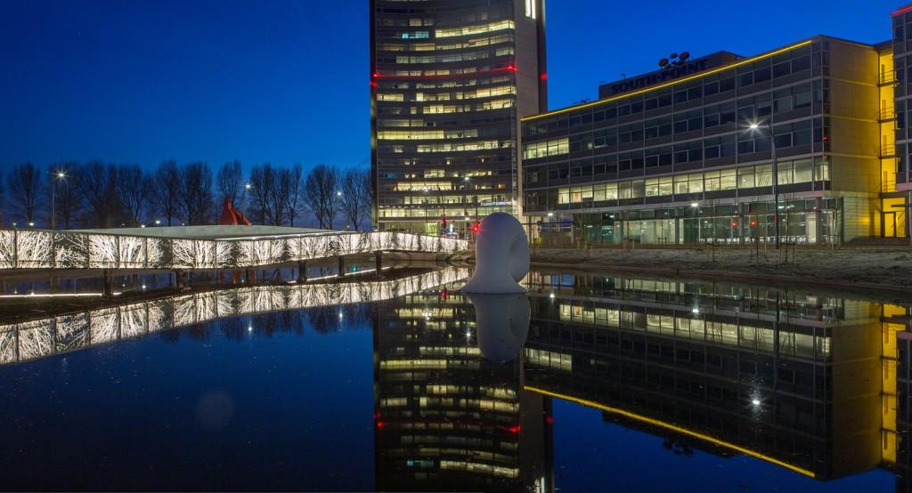 Undulating Bridge, The Netherlands; by Lodewijk Baljon landscape architects and Industrielicht