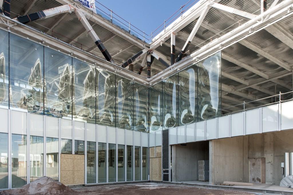 Antoine Cardi BMVR 18 02 2015 espaces détails verres bombés 5 1024x682 - La BMVR de Caen prend forme