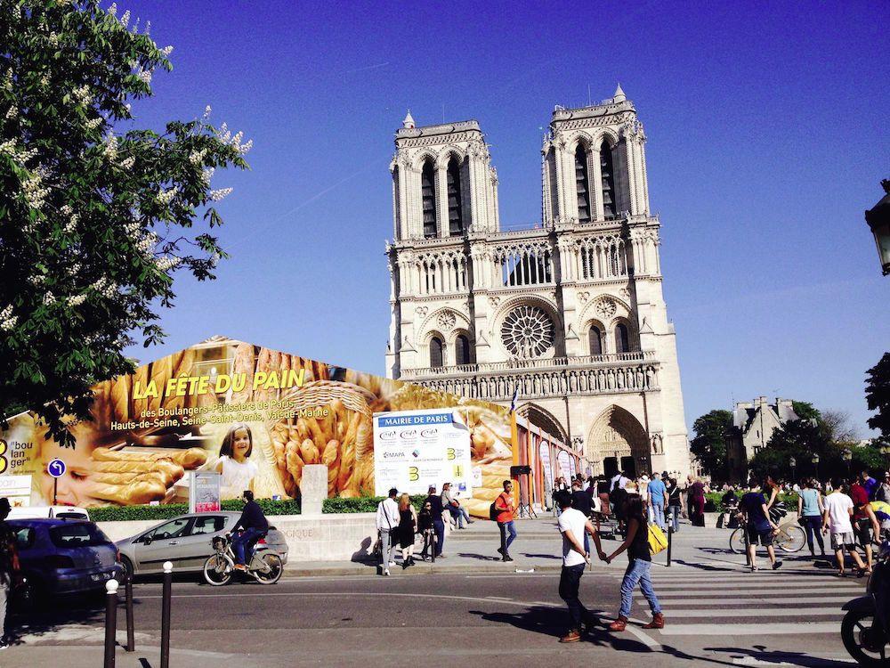 fete du pain compressed 11 compressed 1 - Le nouveau (af)fronton de Notre-Dame de Paris