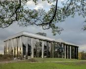 Florian Kleinefenn Photo chateau de rentilly 175x140 - Le château de Rentilly change de peau