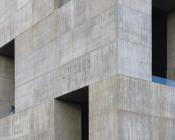 Monolith au coeur de verre ©Nina Vidic 175x140 - Un monolithe au coeur de verre