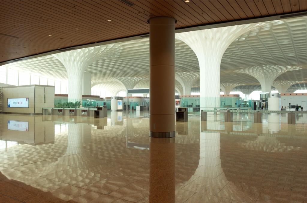 Mumbai aeroport interieur sol 1024x680 - Aéroport international Chhatrapati Shivaji : Canopée de lumière