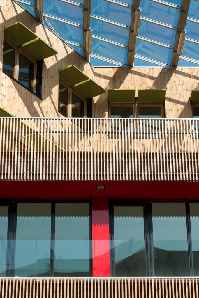 ZOOM FAC OUEST©Ecliptique Laurent Thion compressed 683x1024 - Laraqui Bringer équipe la périphérie parisienne