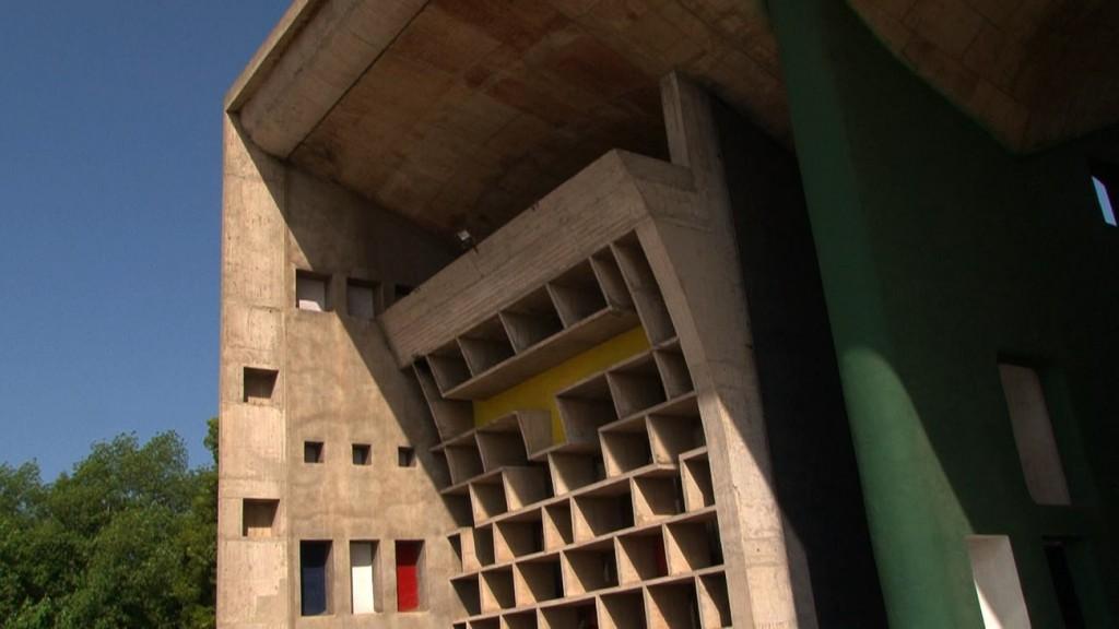 19 Palais de Justice Le Capitole compressed 1024x576 - Chandigarh, le devenir indien d'une ville moderne