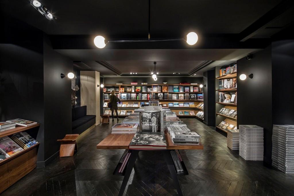 La Hune 41 compressed 1024x682 - La Hune ou le concept de Librairie – Galerie