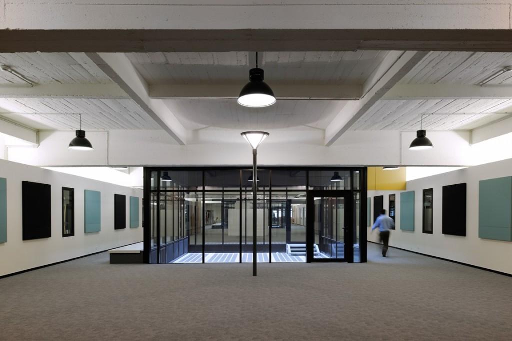 Studio Erick Saillet 2 1 1024x683 - Le New Deal, ancien garage Citroën, lauréat du Grand Prix SIMI 2015