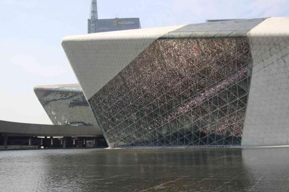 Guangzhou Opera House 585x390 - Disparition de Zaha Hadid