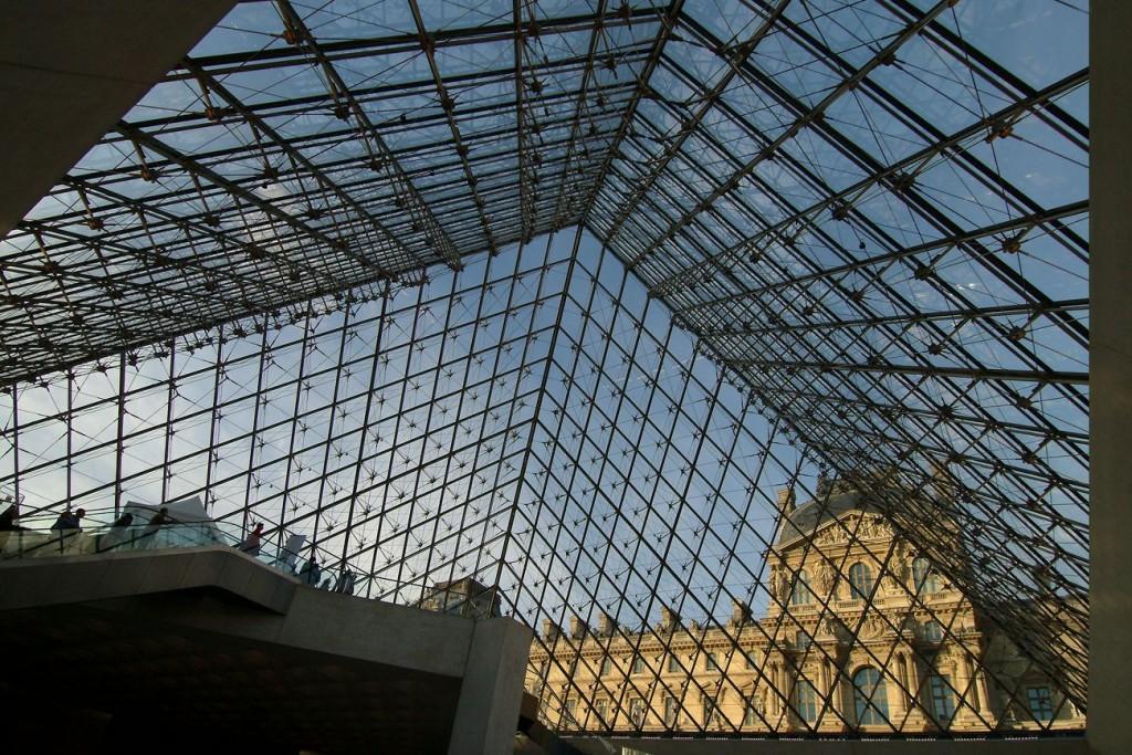 Pyramide c Charlie Abad musée du Louvre compressed 1024x683 - Chantier Pyramide : 12 pour 1