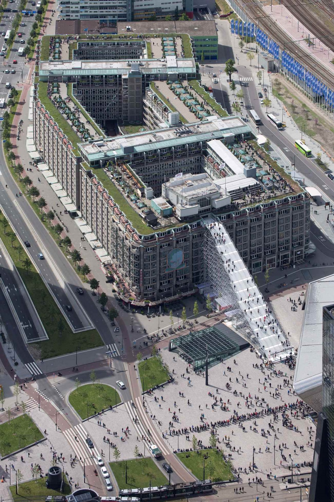19 De Trap ∏Ossip compressed 1170x1755 - Rotterdam : MVRDV cultive l'esprit d'escalier