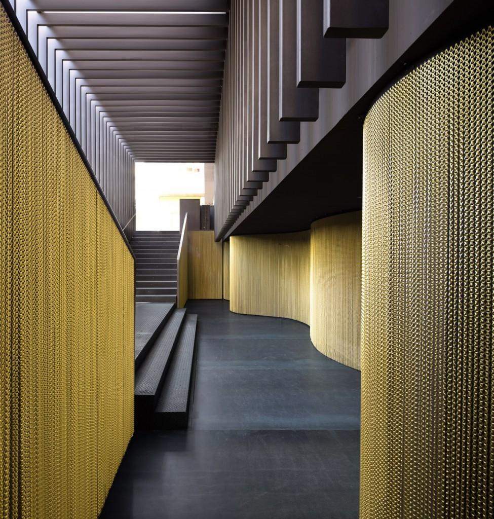 CANALLA DISCO 04 © Ruben P compressed 975x1024 - Le cuivre sublime des bâtiments insolites