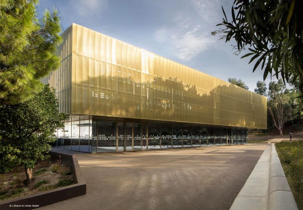 Centre Culturel Bastia c J compressed 3 1024x711 - Le cuivre sublime des bâtiments insolites