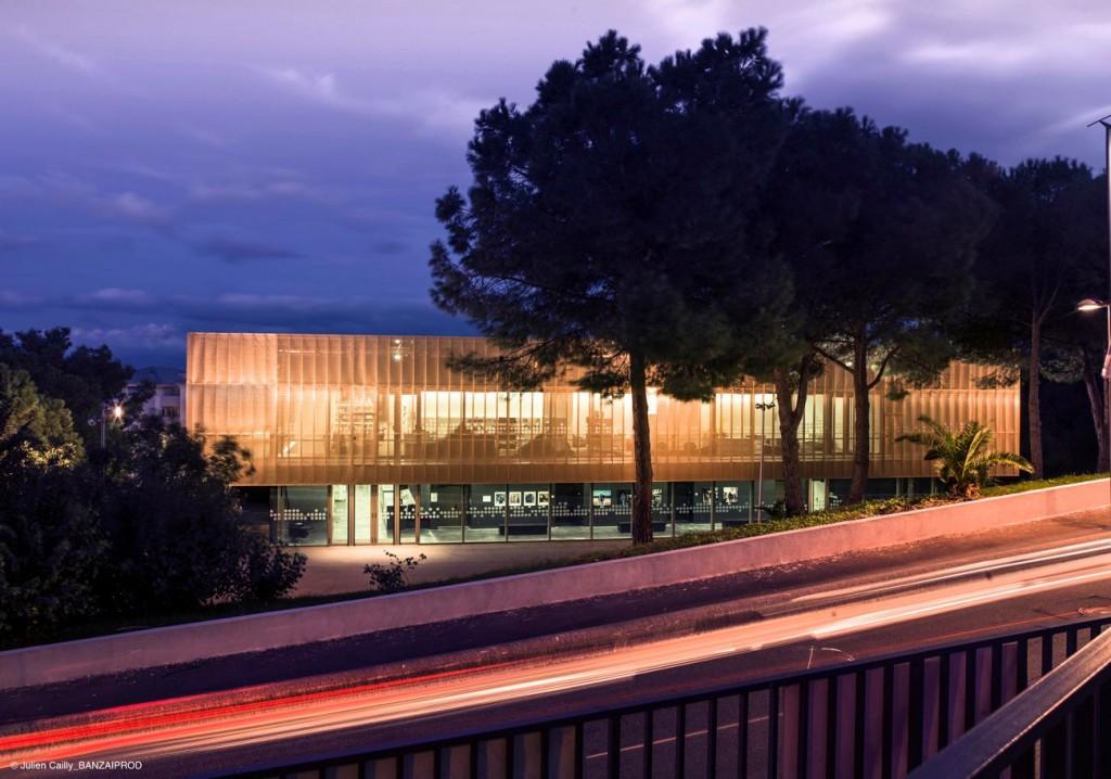 Centre Culturel Bastia c J. Bracco C. Septet 3 1024x718 - Le cuivre sublime des bâtiments insolites