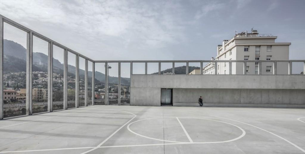 DS 3959 © Aldo Amoretti compressed 1024x517 - Le gymnase de l'Ariane, audacieusement local