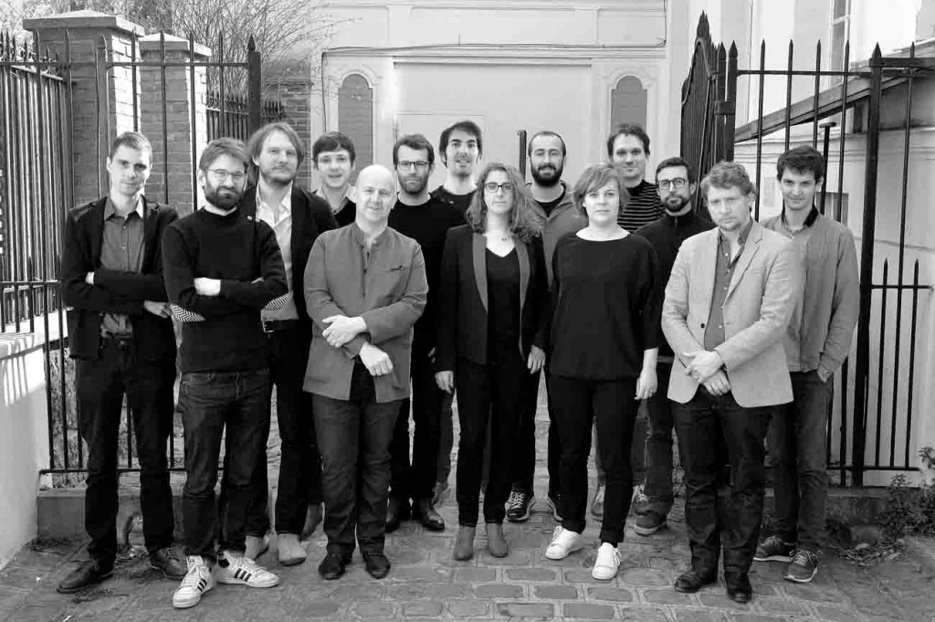 Equipe du Pavillon français Paris 2016 OBRAS Collectif AJAP14 © Thibaut Chapotot compressed 1024x681 - Nouvelles du front, nouvelles richesses