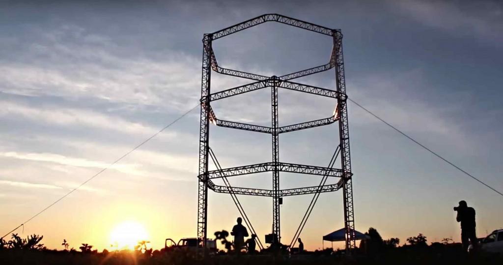 Imprimante 3D de 12 m de haut 1024x539 - Construction d'un village écologique… avec une imprimante 3D
