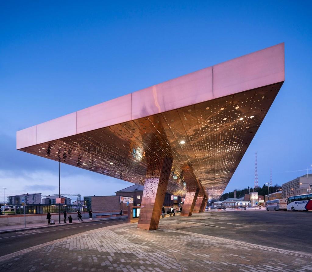 Lahti Travel Center c Mika Huisman 3 compressed 1024x894 - Le cuivre sublime des bâtiments insolites