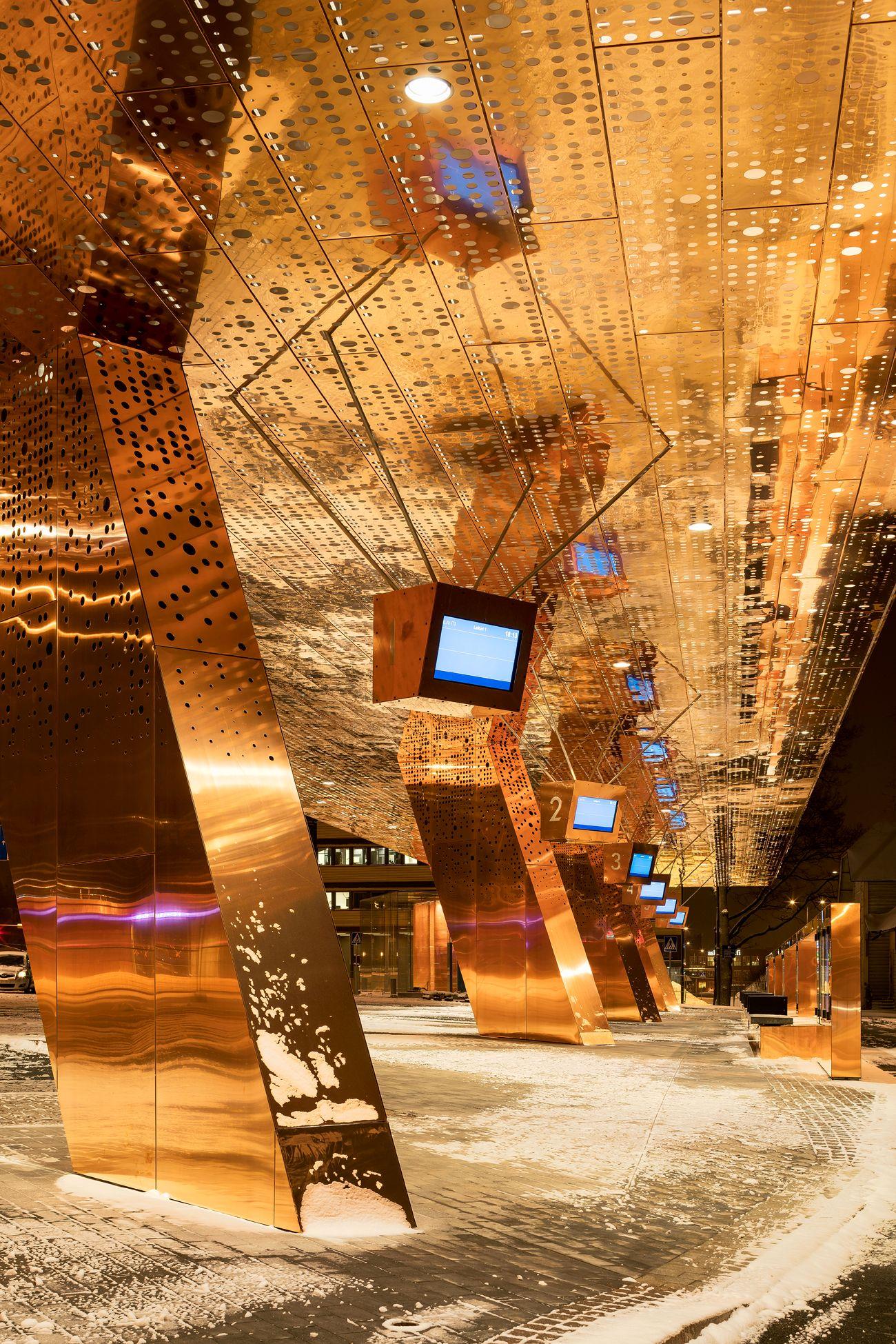 Lahti Travel Center c Mika Huisman compressed - Le cuivre sublime des bâtiments insolites