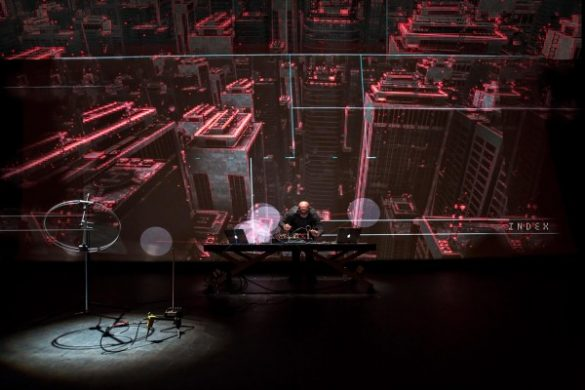 0110 OuvertureBiennale Seismik de Herman Kolgen©DR Biennale Némo compressed 600x400 585x390 - Quand l'architecture rencontre les arts numériques