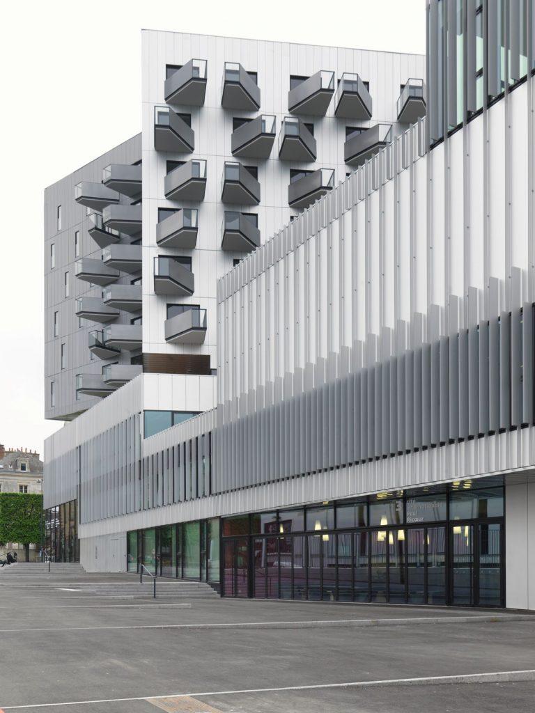 2814 14 compressed 768x1024 - La Cité internationale d'Hérault Arnod, mixité à Rennes