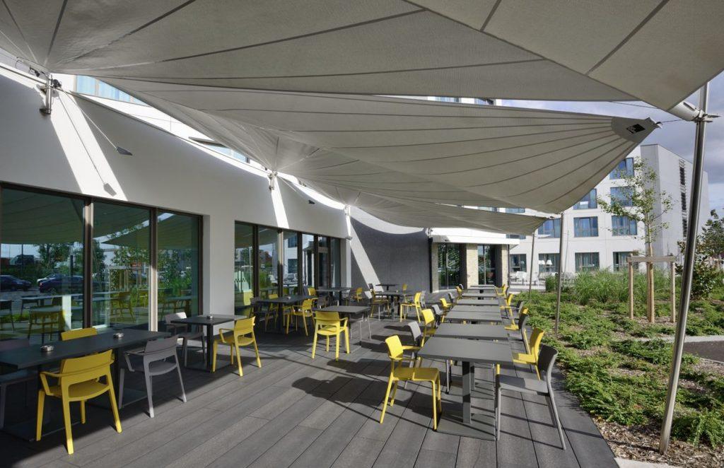 6 Hotel Park Est France 3 Soltis W96 Credit P compressed 1024x662 - SERGE FERRARI : la lumière, pas la chaleur