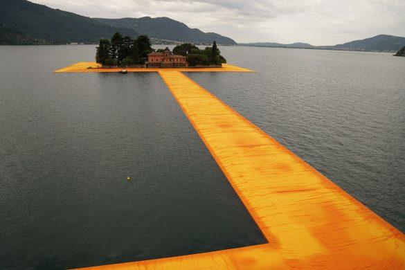DSC07270 compressed 585x390 - Christo : un sentier sur l'eau