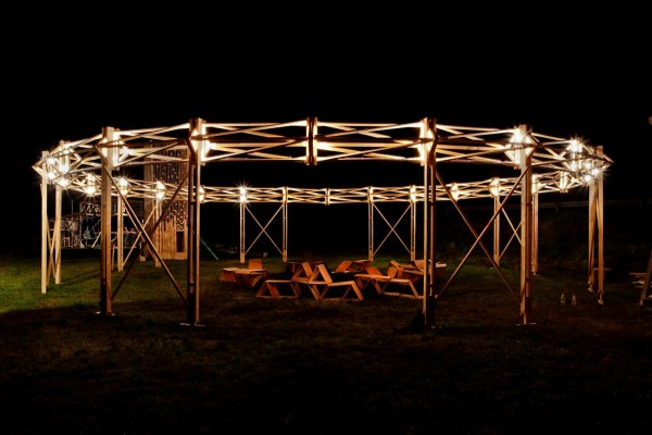 MAZZOCCHIO nuit 600x400 - Le Mazzocchio matérialisé en bois