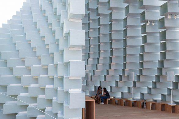 big pavilion   image c iwan baan 3 585x390 - Le Pavillon Serpentine et ses maisons d'été