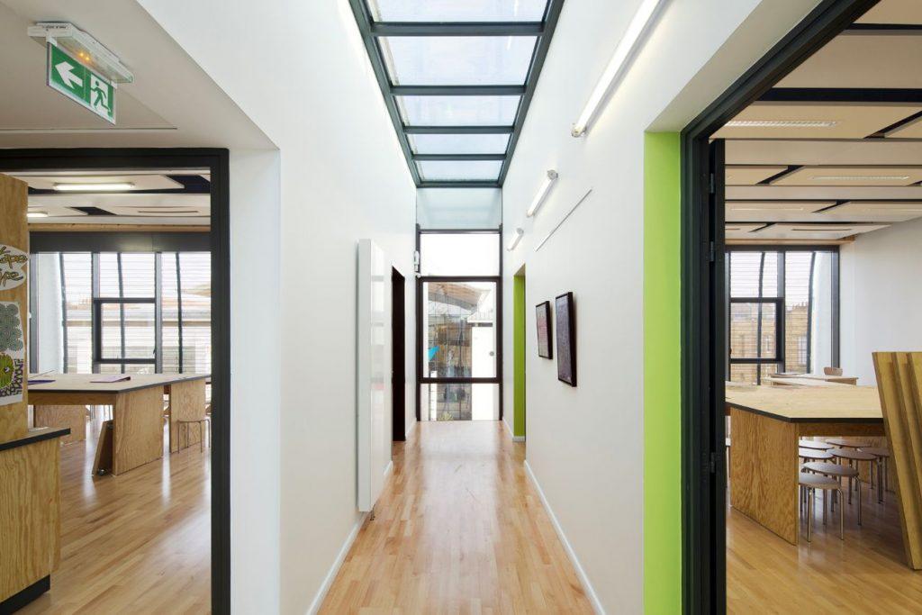 01 vue salle de classe ARCAME ECOLEd ART CALAIS compressed 1024x683 - Calais : l'école d'art au secours du centre-ville