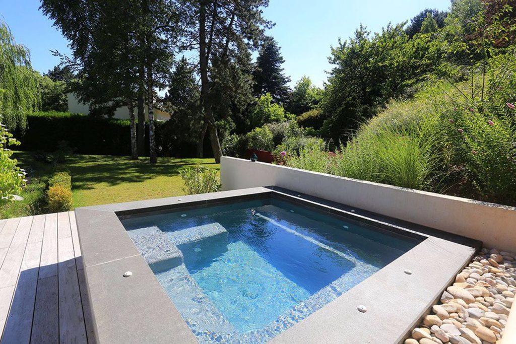 1 1024x683 - Diffazur : portrait de piscines