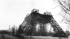 deboutees 300x169 - Nimbisme, Eiffel on tour, clôtures et parlements : la revue de presse du 25/10/2016