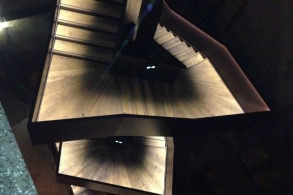 escalier 585x390 - Les prix de l'architecture acier
