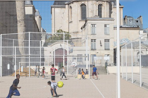 NP2F terrain sportif jardins saint paul 7 585x390 - NP2F aménage les terrains de sport des Jardins de Saint-Paul