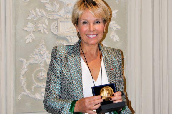 L'architecte française Corinne Vezzoni a reçu hier, mardi 29 septembre, la Grande Médaille d'Or de l'Académie française d'architecture.