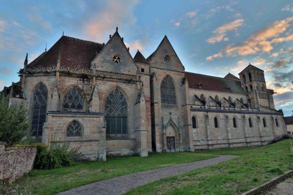 La Fondation du patrimoine, en partenariat avec la commune de Souvigny, lance une collecte de dons en faveur de la Chapelle-Neuve des Bourbons, frappée d'un arrêté de péril. L'objectif de la collecte est de 150 000 euros, pour un montant de travaux estimé à environ 1 million d'euros.