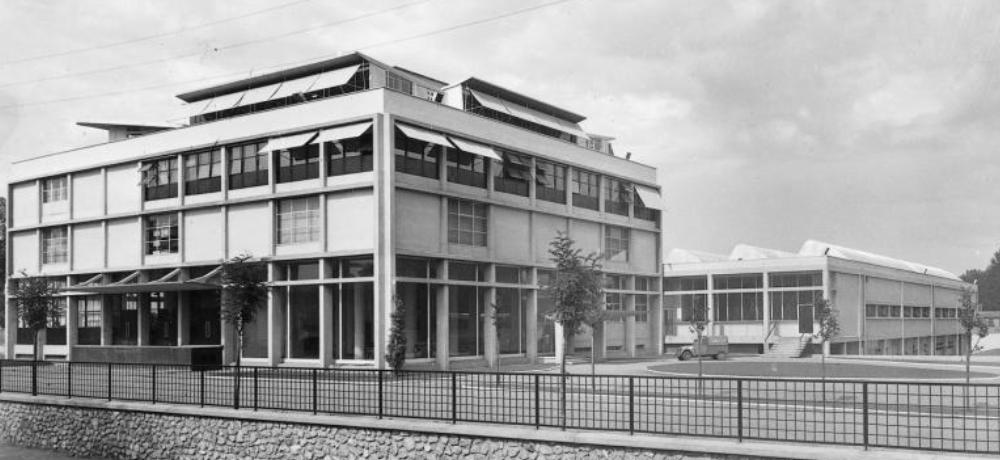 En 2015, l'architecte Franklin Azzi et l'architecte en chef des monuments historiques Pierre-Antoine Gatier ont assuré la réhabilitation des façades de la tour administrative et la réhabilitation partielle des ateliers, qui intègrent désormais l'Ecole supérieure des Beaux-Arts de Tours.