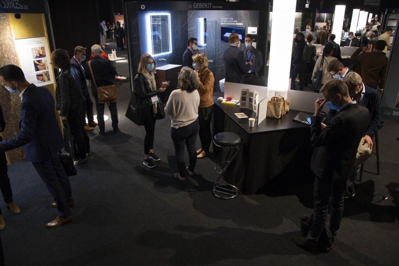 """plus de 4 000 visiteurs """"physiques"""" ont arpenté les travées du salon Architect@Work Paris et 641 visiteurs """"virtuels"""" ont suivi l'évènement de façon digitale grâce à l'application A@W Digital"""